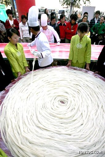 World's Longest Noodles Made in China