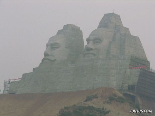 Top 10 Highest Monuments of the World
