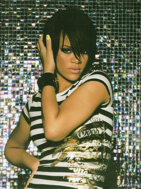 Click to Enlarge - The Official Rihanna 2009 Calender