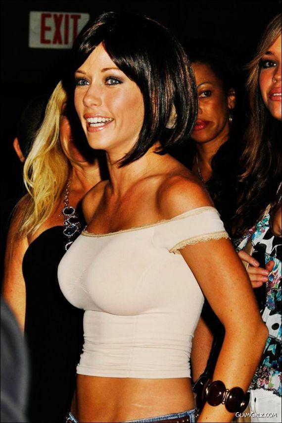 Kendra Wilkinson at Hollywood Video Music Awards